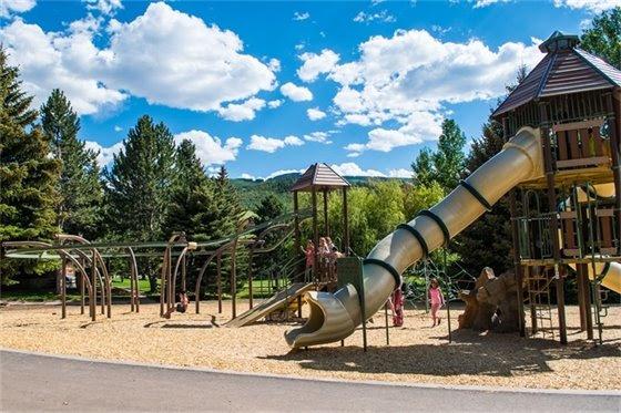 avon playground